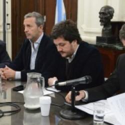El Ministerio de Gobierno informó sobre el traspaso del Puerto