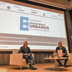 Curso Estrategas urbanos, hacia una institucionalidad metropolitana.