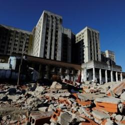 Mudarán un ministerio a Ciudad Oculta, pero se demora la demolición del