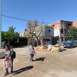 La ley para adquirir tierras de villas y asentamientos urbanos se puede mejorar