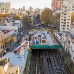 El barrio más gris suma verde: abrieron la plaza construida después de techar las vías del Sarmiento