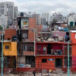 Para urbanizar la Villa 31 se requiere por ley la firma de los consejeros