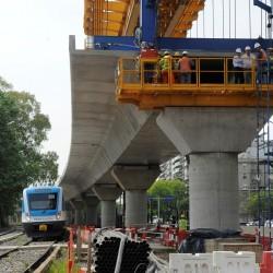 El tren que correrá a 9 metros de altura: así construyen el viaducto para elevar el Mitre