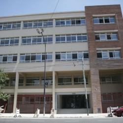 Pese a la resistencia de muchos alumnos, avanza la construcción del Polo de las Artes en Mataderos