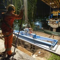 Trabajando día y noche, terminaron el viaducto por donde pasará el tren Mitre
