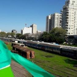 Pese a la oposición de los vecinos, rematan tierras en Colegiales, La Boca, Retiro y Palermo