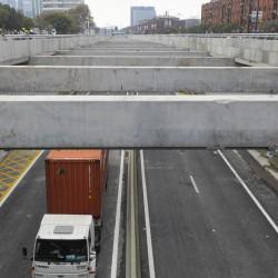 Ya funciona el Paseo del Bajo: menos ruidos, viajes más rápido y dudas en algunos conductores