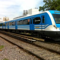 Con la obra paralizada, avanza la idea de elevar el tren Sarmiento
