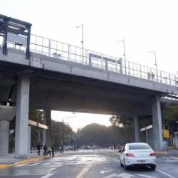 Después de dos años, reabrió la calle Olleros sin la barrera del tren Mitre