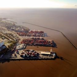 El cambio de gobierno pone en riesgo la entrega del puerto de Buenos Aires a un solo operador