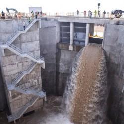 Conectan el túnel aliviador del arroyo Vega: empezará a funcionar a fines de octubre