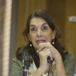 Bielsa propone un plan nacional para terminar con una enorme deuda social como las villas