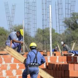 Lanzan un programa para finalizar obras de viviendas paralizadas