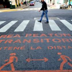 La revancha de las veredas: ganan espacio para que los peatones guarden distancia social en la era del coronavirus