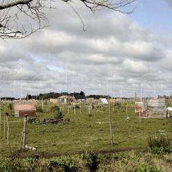 Para la pospandemia, Kicillof impulsa un plan de viviendas para 2.400 familias en La Plata