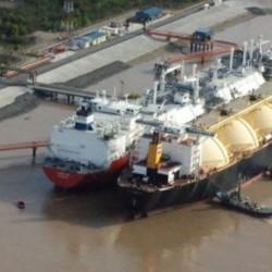 Clausuraron el único puerto que recibe gas licuado del exterior por riesgo de explosión