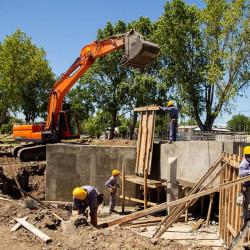 Quilmes. Avanza la obra hídrica de las compuertas en la Ribera de Quilmes