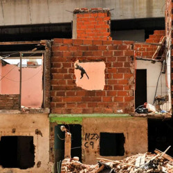Villa 31: la mayoría de las familias que vivían debajo de la autopista Illia se mudaron, pero hay 150 que aún esperan