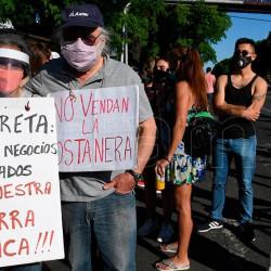 Convocan a recorrer Costa Salguero para pedir que se cree un parque público