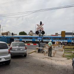 Avanzan en la construcción de 13 puentes para pasos a nivel de la línea Sarmiento