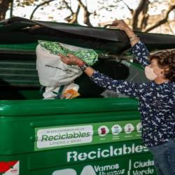 El Gobierno porteño colocó contenedores verdes a 150 metros de los hogares